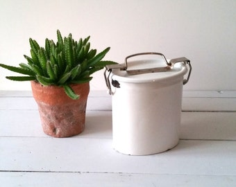 Old 'farmers' white enamelware lunchbox