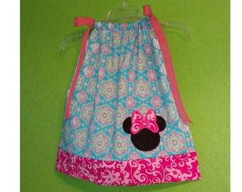 Minnie Mouse Toddler Dress // Minnie Dress // Disney shirts // Minnie Mouse Dress // Disney outfit