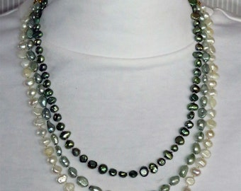 Green and White Freshwater Pearl Beaded Necklace