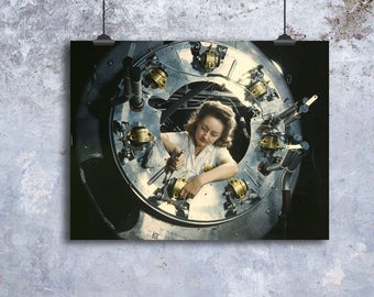 WWII Photo, Rosie The Riveter, Girl Power, War Photography, 1942, Urban Wall Decor, Industrial Decor