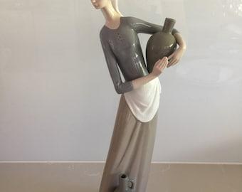 Vintage Lladro Figurine - Girl with Jug