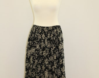 Long Floral Skirt (Black/Off-White)