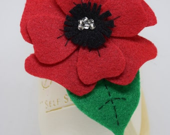Red Poppy Accessory/pin/brooch/Remembrence Day/hair clip/felt/glass beads/flower