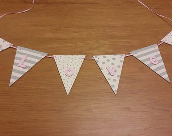Wooden triangle bunting