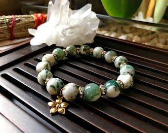 Jasmine bracelet. 10mm Moss Agate Beads Yoga Mala Bracelet. Healing Natural Gemstone Bracelet. Stretch Bracelet. Gold Plated Charm Bracelet.
