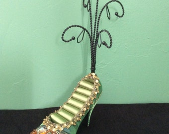 Green Jeweled Shoe Ring and Jewelry Display