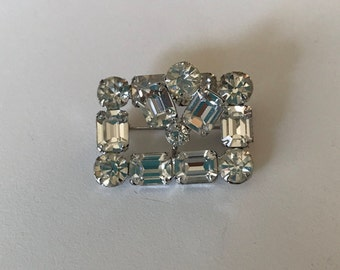 Beautiful rectangle rinestone brooch