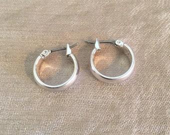 Small Simple Silver Hoop Earrings