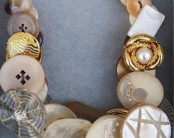 Beige reversible necklace with vintage buttons
