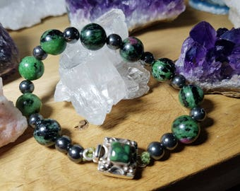 Spectacular bracelet Ruby zoisite and hematite from Tanzania with beautiful zipper on Emerald silver