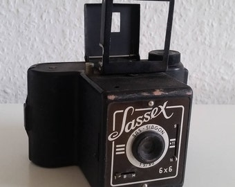 Box camera Sassex SAS Saigon 6 x 6 vintage 1948 camera 1:9 / 80 camera Vlotho Germany rollfilm camera Photographica
