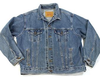 80s Levi's Denim Jacket / Vintage 1980s Jean Jacket / Classic Medium Indigo Wash Trucker Rocker Hippie Boho Western Work Wear / Large