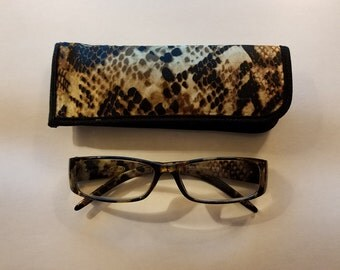 Snakeskin Print Black Tan Reading Glasses Eyeglasses Matching Case