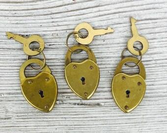 Tiny heart padlock w Key! Working padlock clasp /charm / pendant. Miniature Brass. Vintage  DIY jewelry making supplies e163