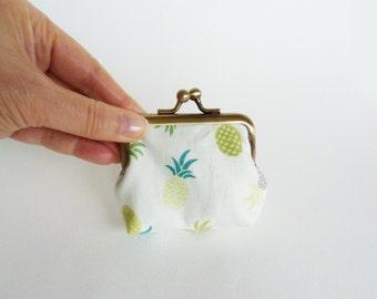 Coin purse, white cotton pineapple fabric, cotton pouch