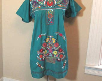70s Mexican vintage dress Basket embroidery Day of the Dead Paper Flowers Embroidered Festival Dress  M L