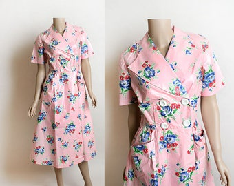 Vintage 1960s Does 1950s Dress - Pink Floral Print Polished Cotton Wrap Skirt Style Dress with Large Front Pockets Double Button Up - Medium