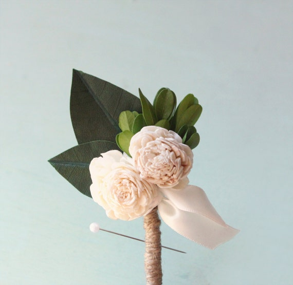 Wedding boutonniere, Spring wedding, groomsmen button hole, Dried flower boutonniere, Magnolia and Sola flower, Woodland Wedding  (1 bout)