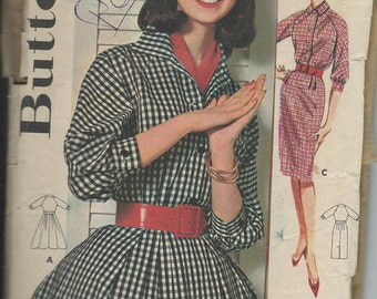 1961 VINTAGE BUTTERICK PATTERN. Misses Raglan Sleeved Dress. 9941 Size 14 Bust 34