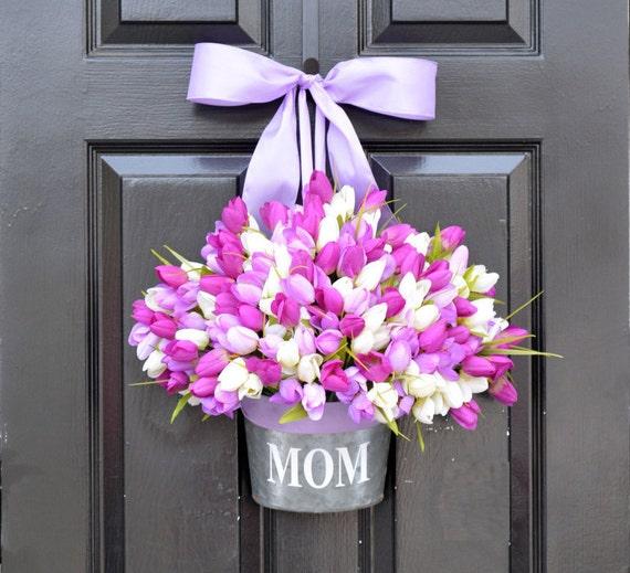 MOM Monogram Spring Tulip Wreath- Tulip Door Bucket Wreath Alternative- Tulip Spring Wreath- Gift for Mom- Mother's Day Gift- Door Decor