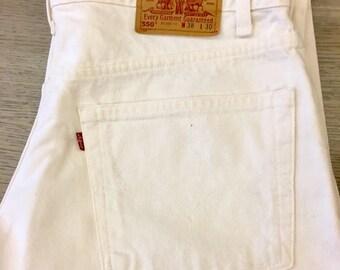 Vtg 80s white Levi 550 jeans waist  size 38 / 30