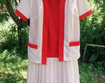Vintage 1960s or 1970s red polka dot Dyanne Dallas polyester drop waist dress, size large