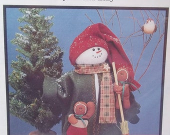 Fabricraft Recycled Snowman Pattern, Christmas Home Crafts, Quick and Easy Sewing Pattern, Mini Gingerbread Men Home Holiday Decor, UNCUT