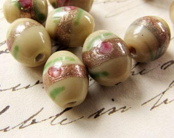 vintage lampwork beads - murano style oval beads with aventurine and roses - circa 1980s - cream and green - 10mm - 10 beads