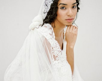Wedding Veil, Bridal Veil, Lace Mantilla Veil, Lace Cathedral Veil, Lace Wedding Veil, Long Ivory Veil, Bohemian Veil - Style 611