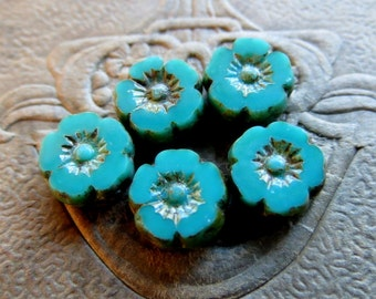 NEW TURQUOISE BLOSSOMS . Czech Picasso Glass Flower Beads . 9 mm (10 beads)