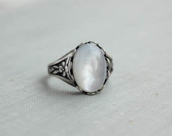 Mother of Pearl Ring. Antique Silver or Antique Brass