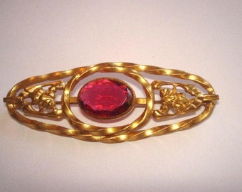 Brooch Ruby Glass Stone Gold Tone