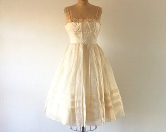 1950s Vintage Party Dress Ivory Chiffon Full Skirt Lace Shelf Bust XS