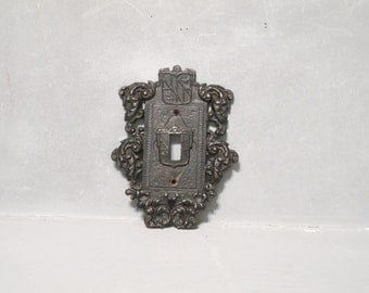 Vintage Ornate Black Cast Iron Switch Plate Virginia Metalcrafters Rare / Shield & Scrolls Outlet Light Cover, Rusty Distressed Gothic Decor