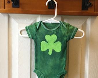 Shamrock Baby Bodysuit, St. Patrick's Day Baby Bodysuit, Irish Baby Gift, Shamrock Baby Gift, Gender Neutral Baby Gift (Newborn)