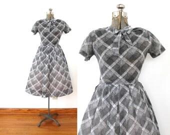 1960s 50s Dress / 60s Full Skirt Gray Kitten Bow Plaid 1950s Dress