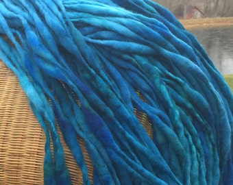 Handspun super bulky yarn in thick and thin merino wool - 100 yards, 6.2 ounces/176 grams