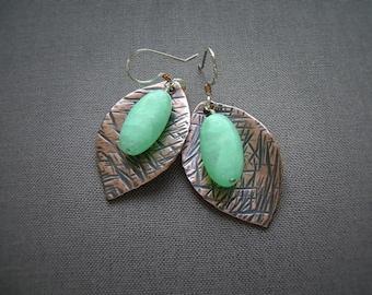 Green Earrings, Copper Jewelry, Handmade Jewelry, Flower Earrings, Gemstone Jewelry, Hemimorphite, Artisan Jewelry, Hammered Copper, 1000