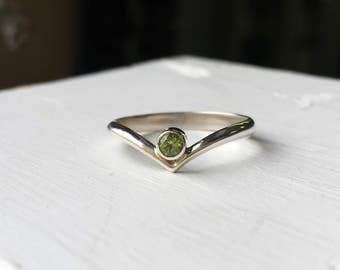 Offset Green Peridot and Silver Ring - Minimalist Stacking Chevron V Ring -  August Birthday