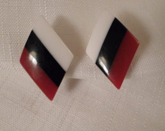 STRIPED LUCITE EARRINGS / Pierced / Black / Red / White / Layered / Laminated / Art Moderne / Modernist / Retro / Chic / Hip / Accessories