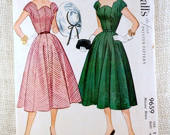 Vintage Pattern Simplicity 9659 Sewing pattern 1950s full skirt dress Bust 30 Rockabilly Gored zig zag neckline