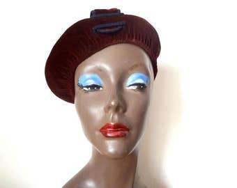 1940s Maroon Velvet Beret - vintage women's fancy hat