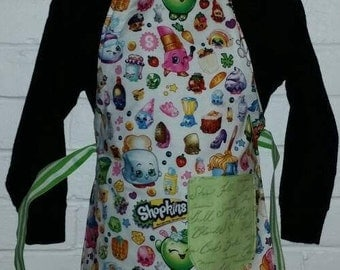 REVERSIBLE Child Cooking Apron / Art Smock fits size 3, 4, 5, 6 and 7 SHOPKINS Green Script