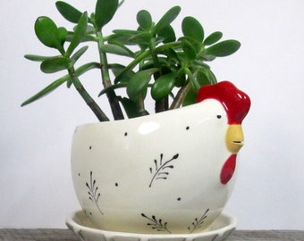 Hen planter with overflow saucer  Ready to ship