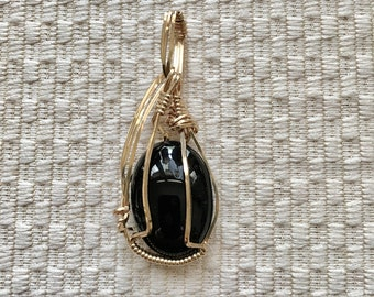 Black Onyx StoneWire Wrapped Free Form in 14K