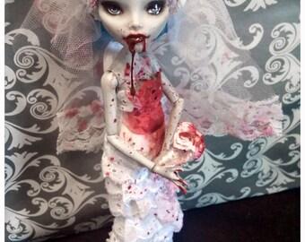 The Bride Who Bit me - Ghoulia Custom Repaint