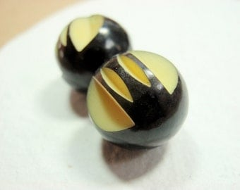 Carved Ball Buttons, 13mm Celluloid Black & Cream Art Deco Vintage Two Color