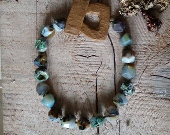 Necklace, agate faceted,green, handmade in Italy.