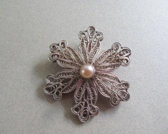 Spun Sterling Silver Genuine Pearl Snowflake Pin Vintage Fine Jewelry Winter Wardrobe Christmas Jewelry Ski Skiing Snowboard Let It Snow!