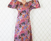 Vintage 1970's Bell Sleeve Maxi Dress - Full length Paisley Frock - loose fitting caftan dress - ladies size large